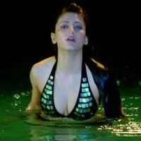 Luck Movie Hot Shruti Hassan Bikini Pose Photo Gallery