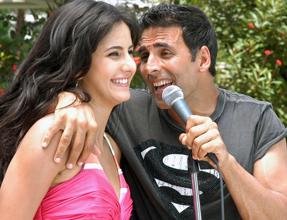 Katrina Kaif and Akshay Kumar in De Dana Dan 1 Katrina Kaif in De Dana Dan Photo Gallery