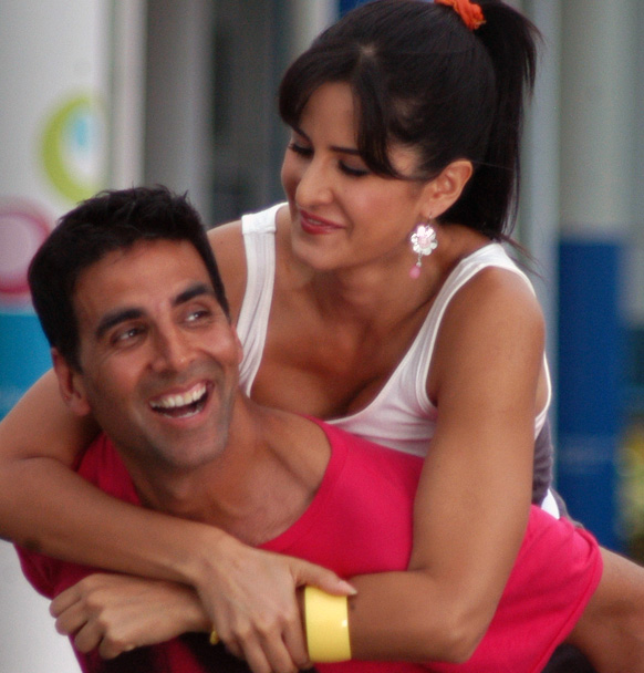 Katrina Kaif and Akshay Kumar in De Dana Dan Katrina Kaif in De Dana Dan Photo Gallery