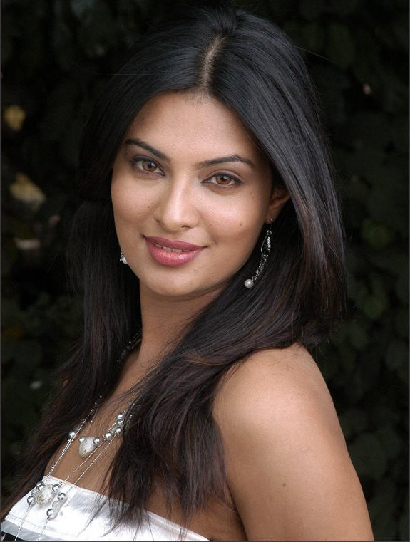 Sayali Bhagat Top 15 New Tamil heroines of 2009