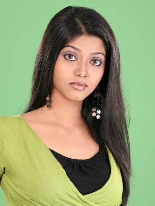 Thananya Top 15 New Tamil heroines of 2009