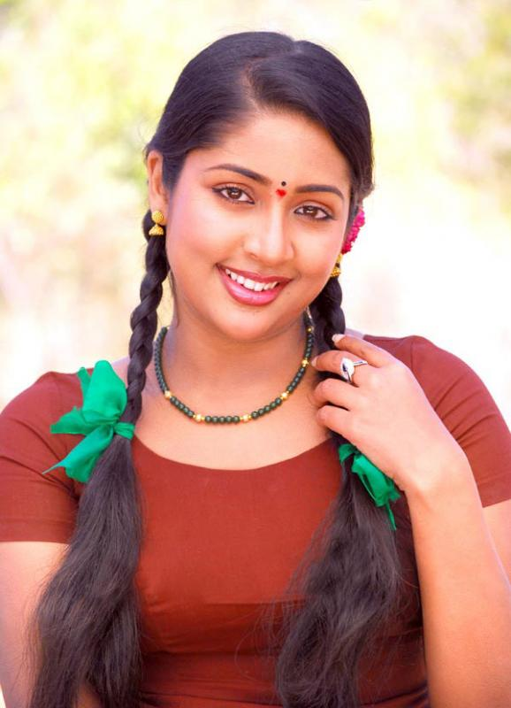 mallu movie actress navya nair hot stills pictures photos 4 Navya Nair hot photo gallery