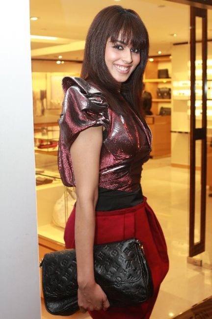 bollywood stars louis vuitton store opening stills pictures 3 Louis Vuitton Store Opening Photos