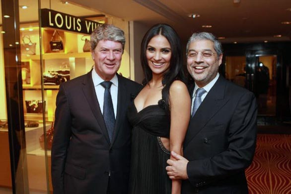 bollywood stars louis vuitton store opening stills pictures 9 Louis Vuitton Store Opening Photos