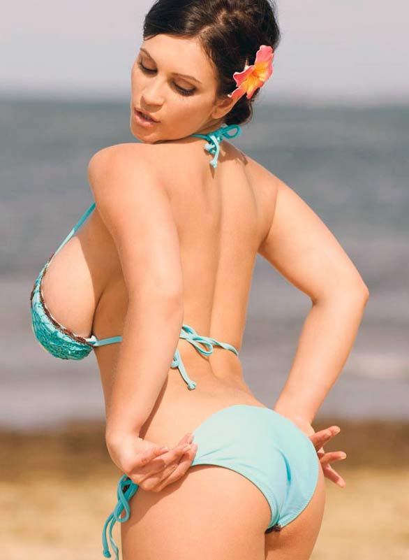 denise milani rocking in blue bikini photoshots 3 Denise Milani Rocking in Blue Flower Bikini