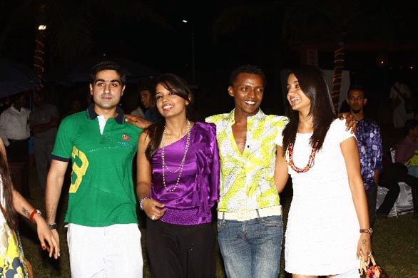 simbhu birthday bash stills 10 Ajith, Shalini & Trisha at Simbu's Birthday Bash