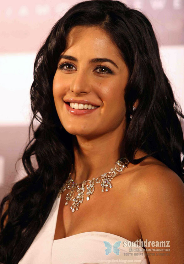 katrina kaif hq wallpapers 01 Katrina Kaif disgusted by the fake sex tape