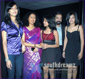 Kamal Hassan Family Shruthi Hassan Akshara Yesteryear Actress Gauthami Daughter Subbalakshmi Its Gauthami, not Mrs Kamal Hassan