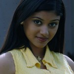 Oviya pins hopes on Muthukku Muthaga