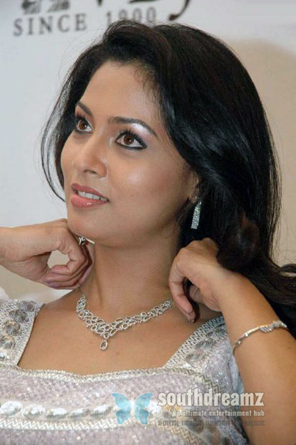 srilankan actress pooja stills 4 Pooja Umashankar Photo Gallery