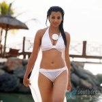 hot-bollywood-actress-mugdha-godse-bikini-stills-9
