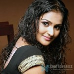 I'd love to star opposite Ajith and Vijay, says Ramya Nambeesan