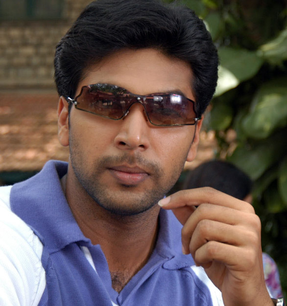 Jayam Ravi Jeyam Ravi to Do a La Rajnikanth?