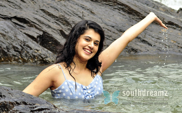 tapsee in vandhan vendran 1 I want to be busy always: Taapsee