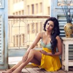 priya-anand-at-2012-calendar-wallpaper-girls-21