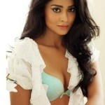Shriya Saran opens Shirt Buttons again!
