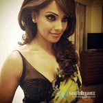 Bipasha-Basu-Hot-At-Dubai-Fashion-Show