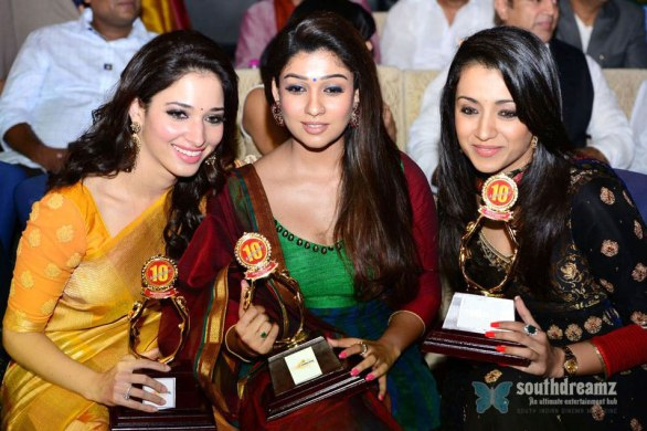 Santosham Film Awards 2011 Function Stills 586x390 Tollywood Talk @ Heroines Vs Heroines