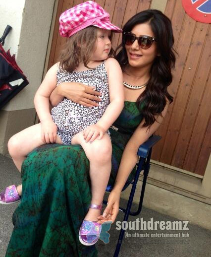 Top Heroine samantha playing with a Doll look alike Top Heroine playing with a Doll look alike