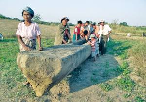 Boat salvaged from Thit Taw village, Myanmar Times 20130204