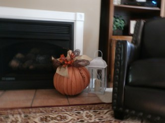 deco mesh pumpkin DIY