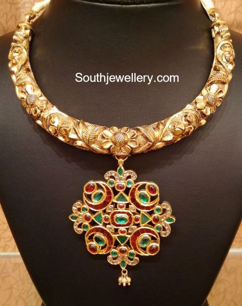 Antique Gold Necklace with Kundan Pendant