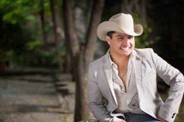 Julión Alvarez le prohiben duetos