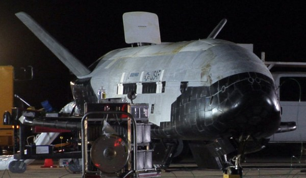 The X-37B lands at Vandenberg AFB on December 3, 2010 (Credits: USAF/Vandenberg Air Force Base).