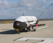 The X-37B taxiing in 2009 (Credits: US Air Force).