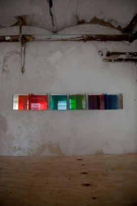Glas, spiegel, kleurfolies, 2010