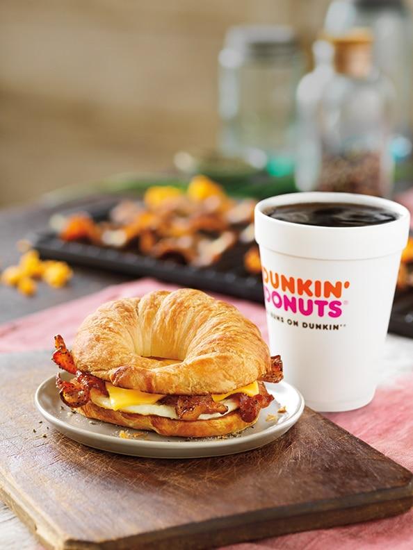 sweet-black-pepper-bacon-breakfast-sandwich-1