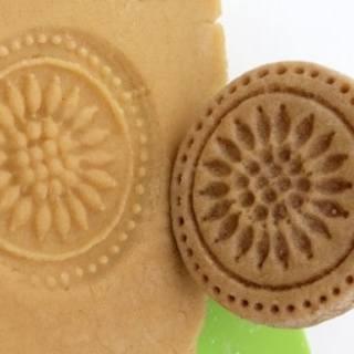 Creative ways to decorate cookies