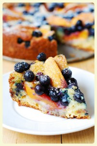French peach & blueberry yogurt cake. Featured by Special Learning House. www.speciallearninghouse.com.