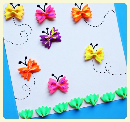 Bow tie butterflies and bow tie grass. Featured by LE CHEMIN ABA, learning house for children with autism, in Paris, France.