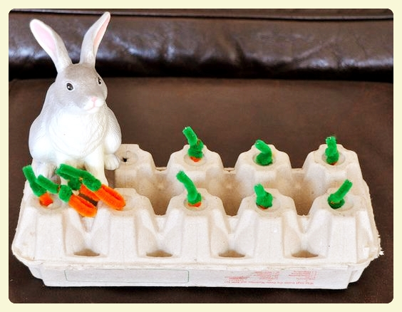 Easter bunny fine motor activity - https://speciallearninghouse.wordpress.com/ - Feed the bunny pipe cleaner carrots! Discover 4 more fun family Easter activities in link!