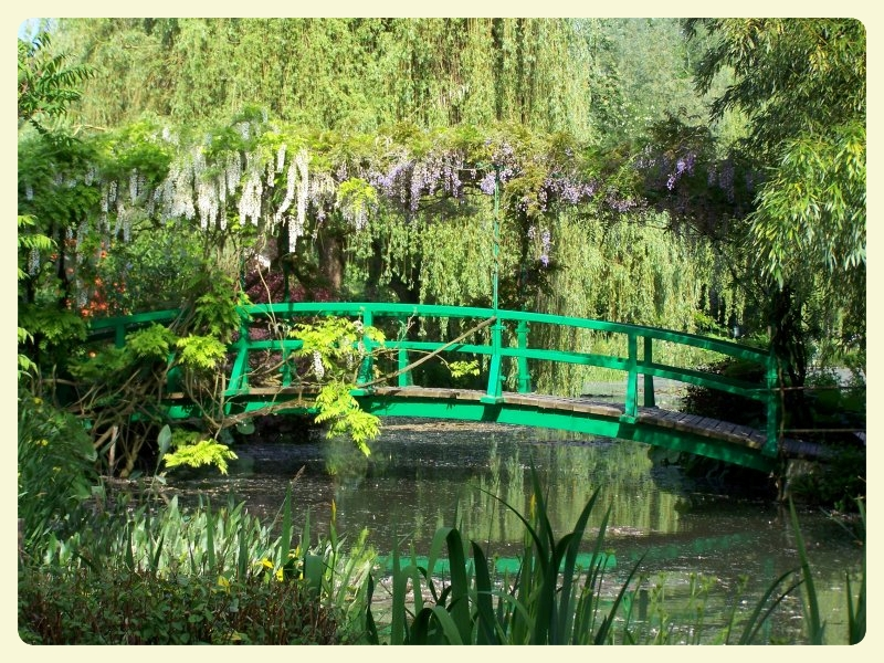 Japanese bridge. Monet's house, Giverny & impressionist art projects for kids. Special Learning House. www.speciallearninghouse.com.jpg