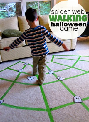 Prepare a Healthier Autism-Friendly Halloween. Spider Walking Halloween Game. | speciallearninghouse.com