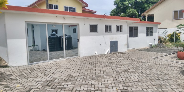 rent_to_let_office_space_accra_ghana_labone_cantonments_sphynx_leon_auguste_house_home_property_partitioned_divisions_internet_wired_safety_exits_sale( (1)