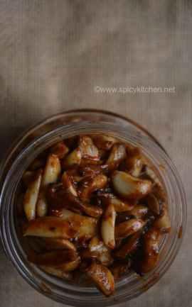 Garlic Pickle | Poondu oorugai | Veluthulli Achar