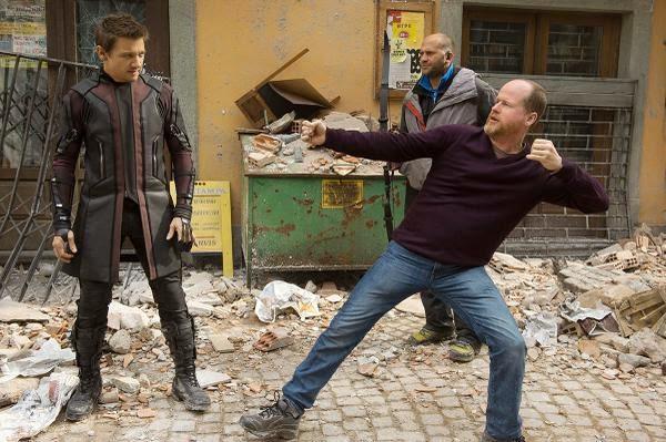 BwEXiN CMAAsIMP Cinema | Algumas fotos dos bastidores de The Avengers: Age of Ultron para animar seu dia...