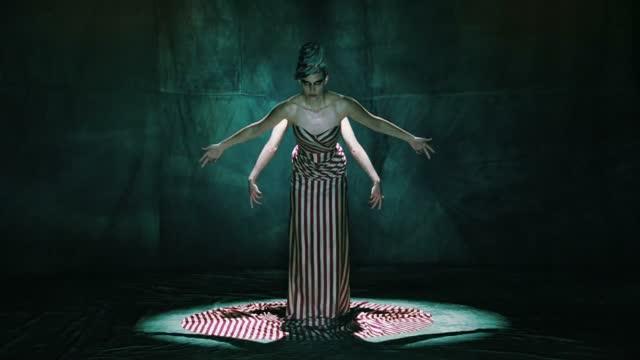 american horror story freak show1 Novos teasers promocionais de American Horror Story: Freak Show