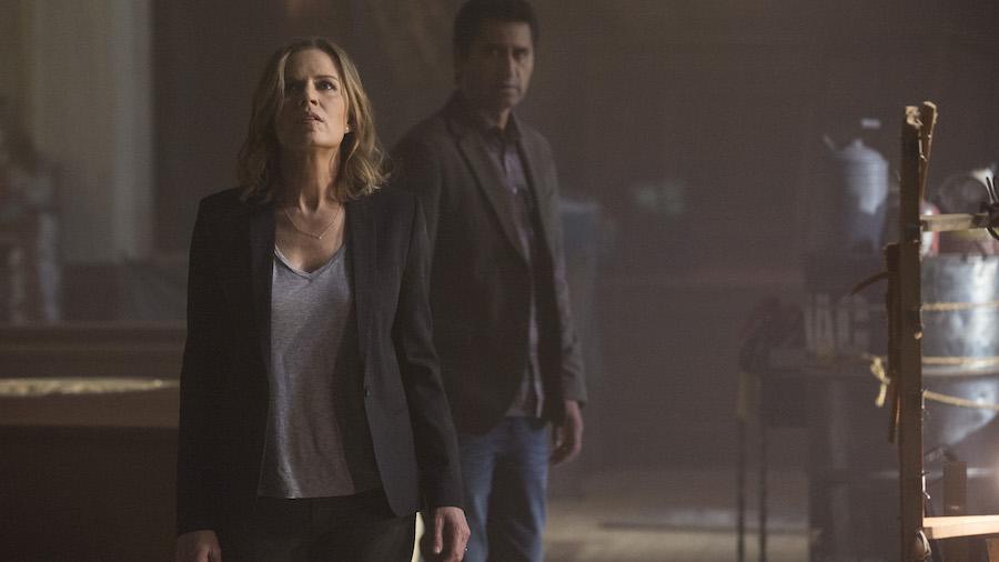 Kim Dickens as Miranda and Cliff Curtis as Sean - Fear the Walking Dead _ Season 1, Episode 1 - Photo Credit: Justin Lubin/AMC