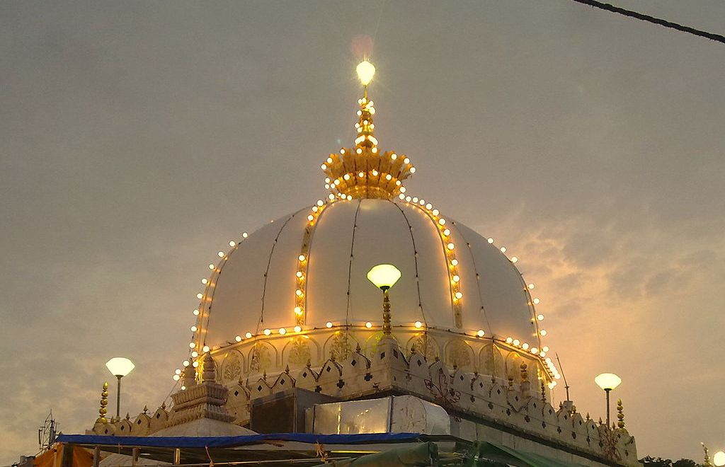 shrine of Moinuddin Chishti at Ajmer Sharif