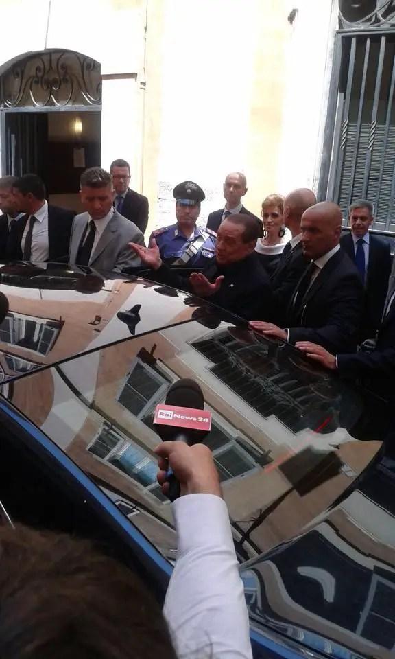 La salute di berlusconi rallenta la cessione del milan for Parlamentari forza italia