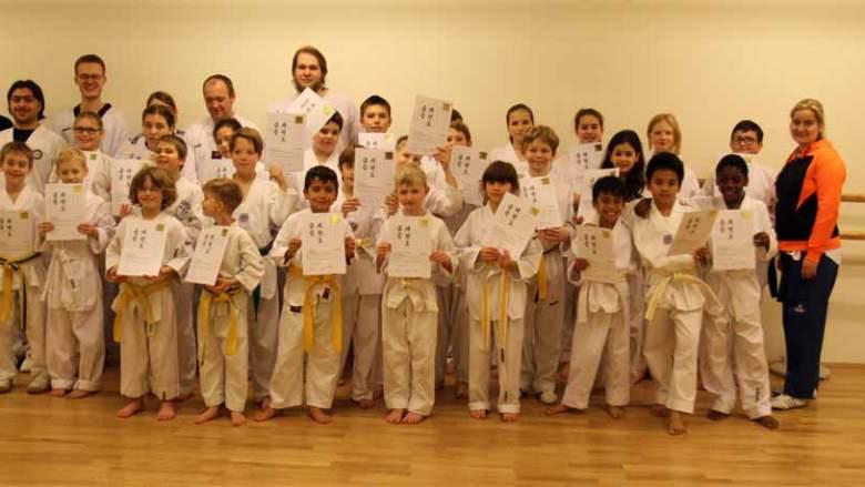 Taekwondo Kerpen: Erfolgreiche zweite Kup-Prüfung 2016