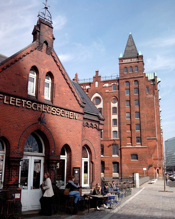 M20150318132524_Standort Hamburg 3x borrelen in voormalig wc-huisjes - Fleeschloesschen