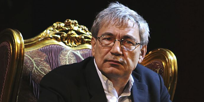 """Marele scriitor Orhan Pamuk critică """"regimul terorii"""" Erdogan"""