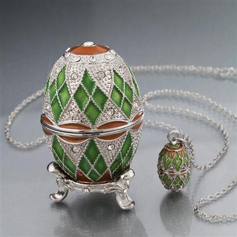 Green Tatiana Egg & Pendant