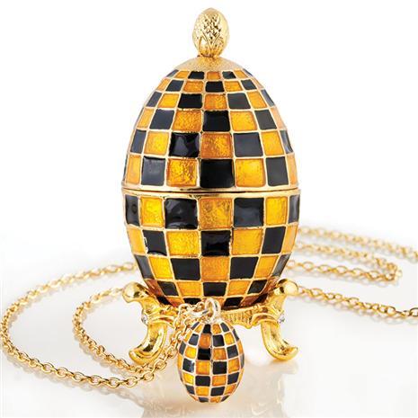 Nika Egg & Pendant