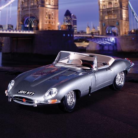 1961 Jaguar E Cabriolet (Gunmetal)